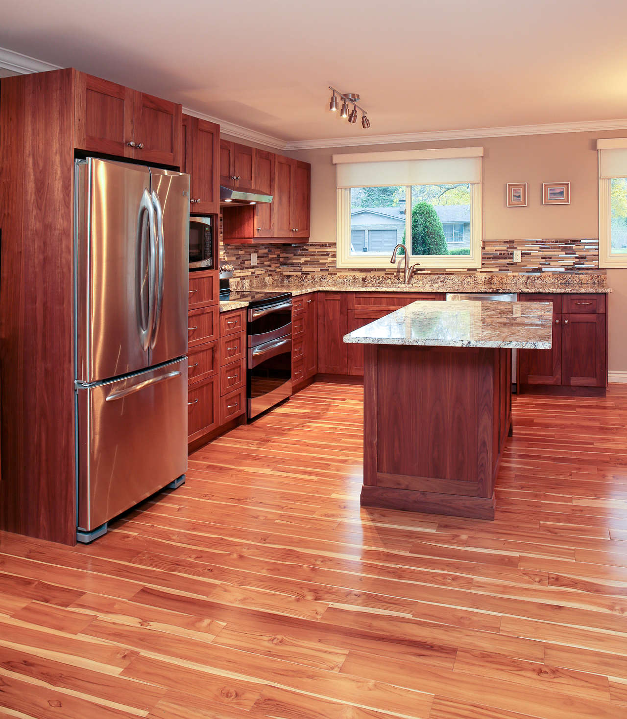 Kitchen Cabinets London Ontario: Transitional